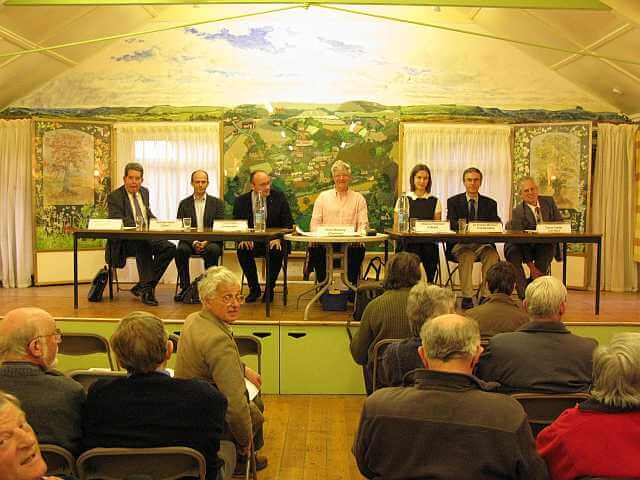 Parliamentary candidates speaking in Swallowcliffe